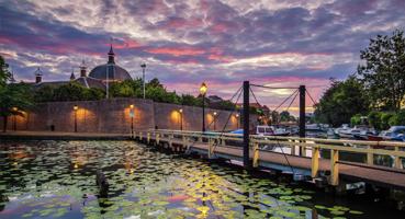 De Lingehaven en stadswal van Leerdam
