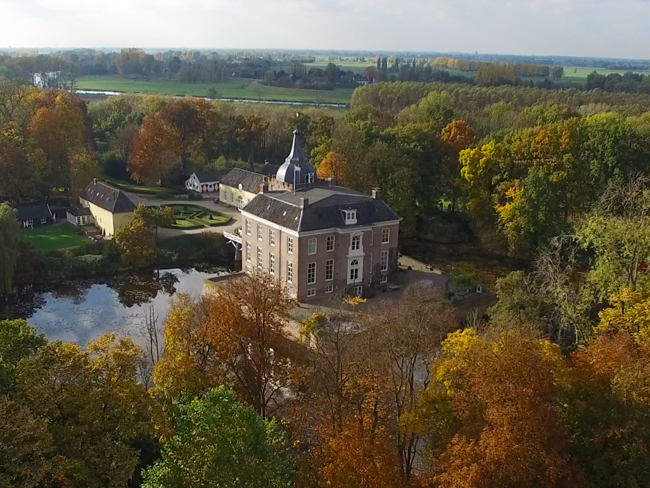 De Linge achter kasteel Heukelum