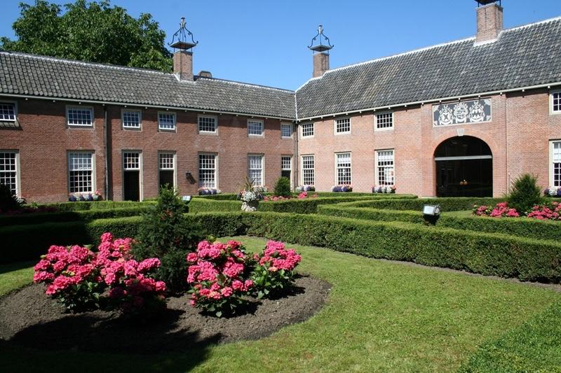 Hofje-van-Aerden-Leerdam-tuin