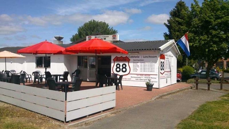 Route88-Rhenoy-buitenterras