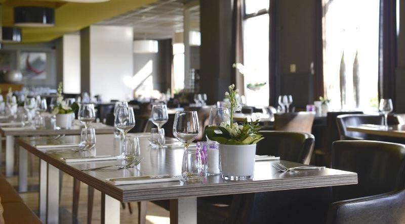 Brasserie-Nu-Kerk-Avezaath-binnen