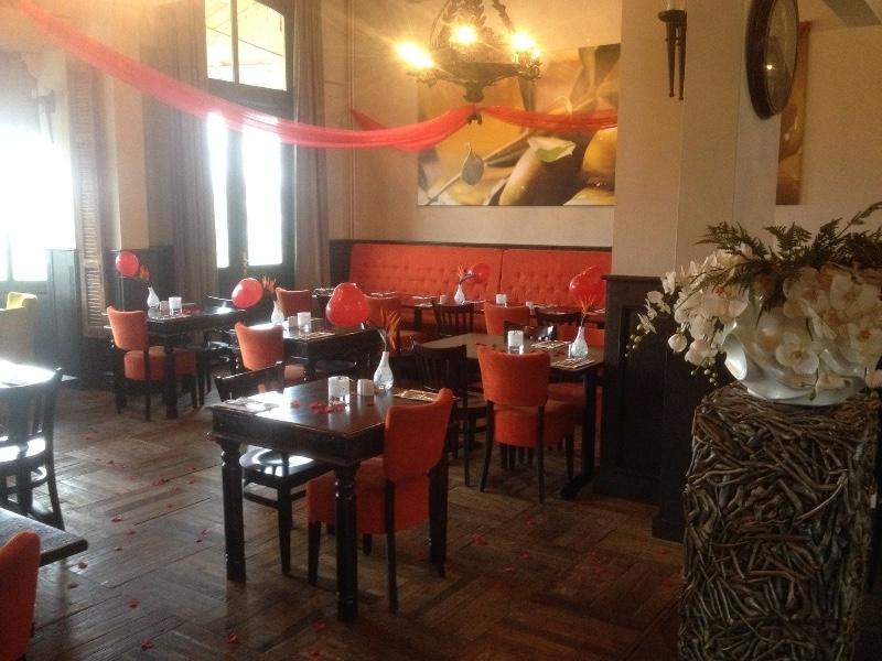 Grieks-Restaurant-Grand-Athina-tafels