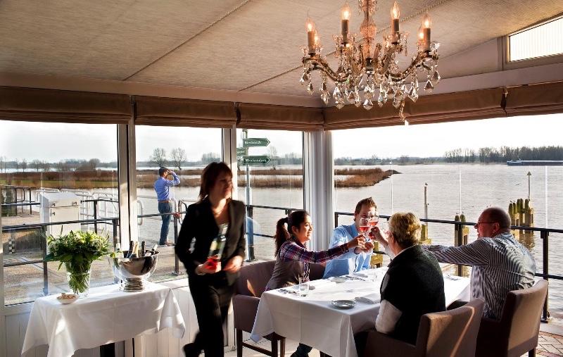 Restaurant-Merwezicht-Gorinchem-binnen-zicht