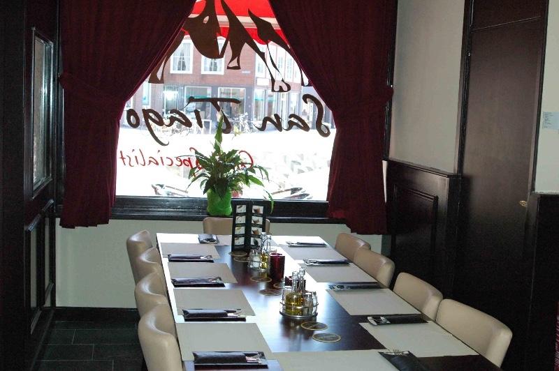 Restaurant-Santiago-Tiel-tafels