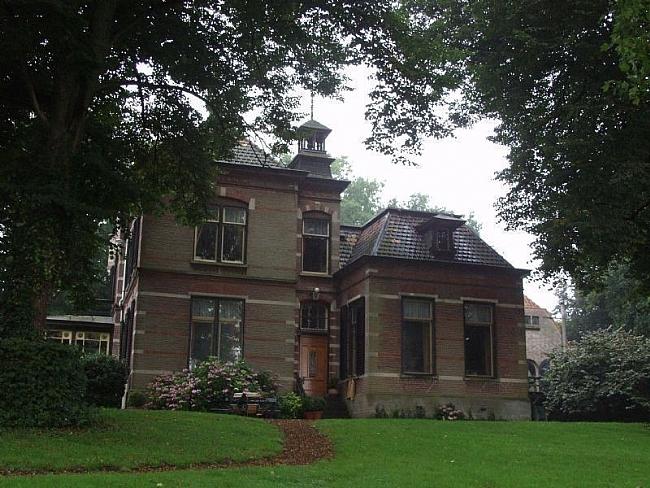 Huis Noordenhoek, gezien vanaf de Linge