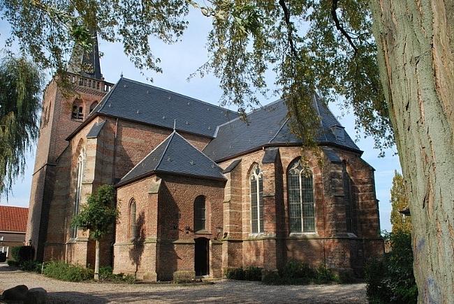 NH Kerk in Opheusden, bron Panoramio.com