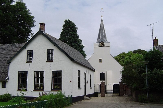 NH Kerk in Rhenoy